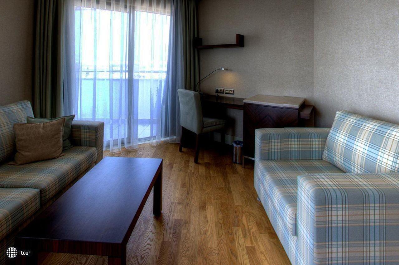 Ramada Plaza Antalya 7