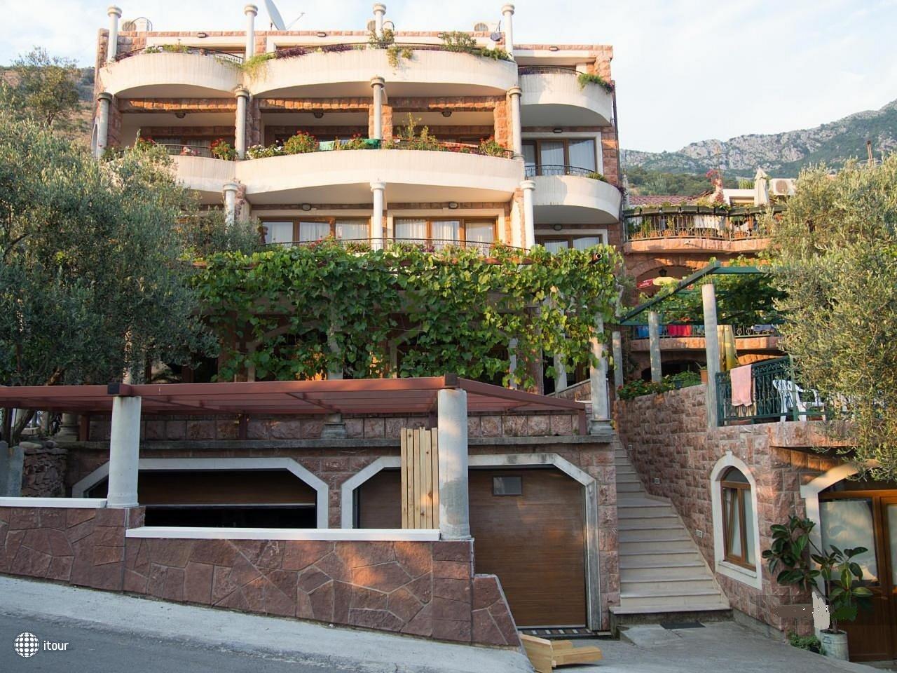 Villa Kenera 1