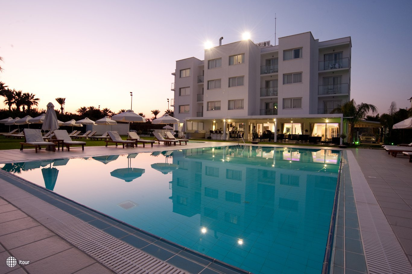 Frixos Suites Hotel Apartments 1