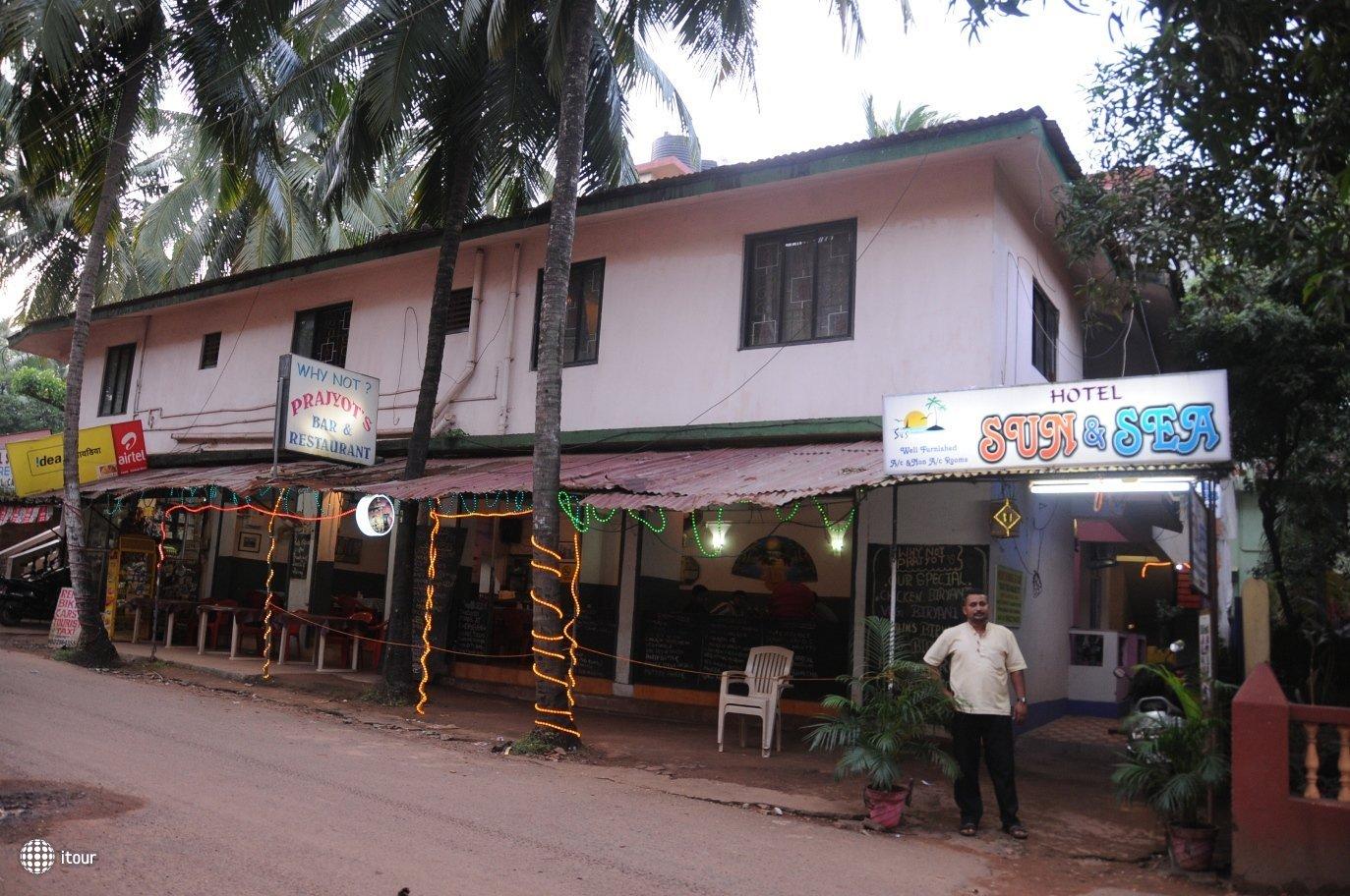 Sun And Sea Goa Hotel 1* 1