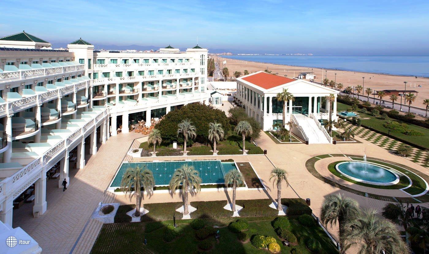 Las Arenas Balneario Resort 1