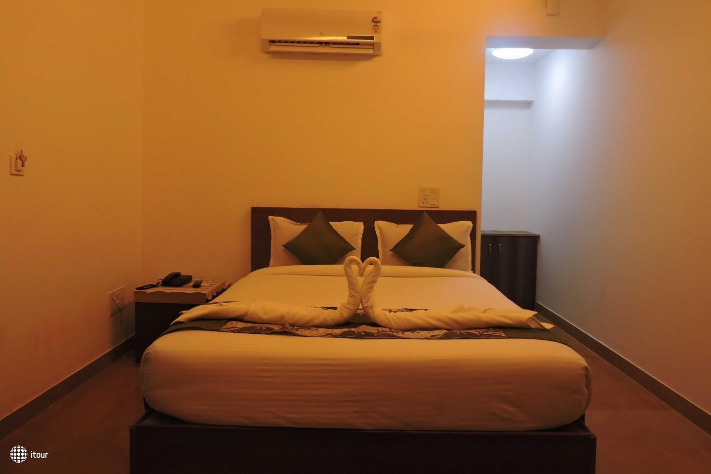 Maximum Holiday Inn 3