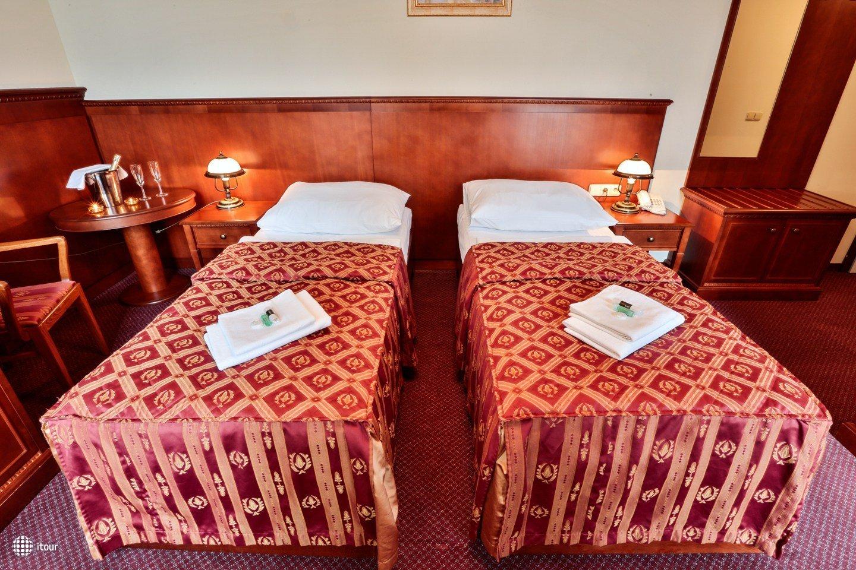 Hotel Arkada 1