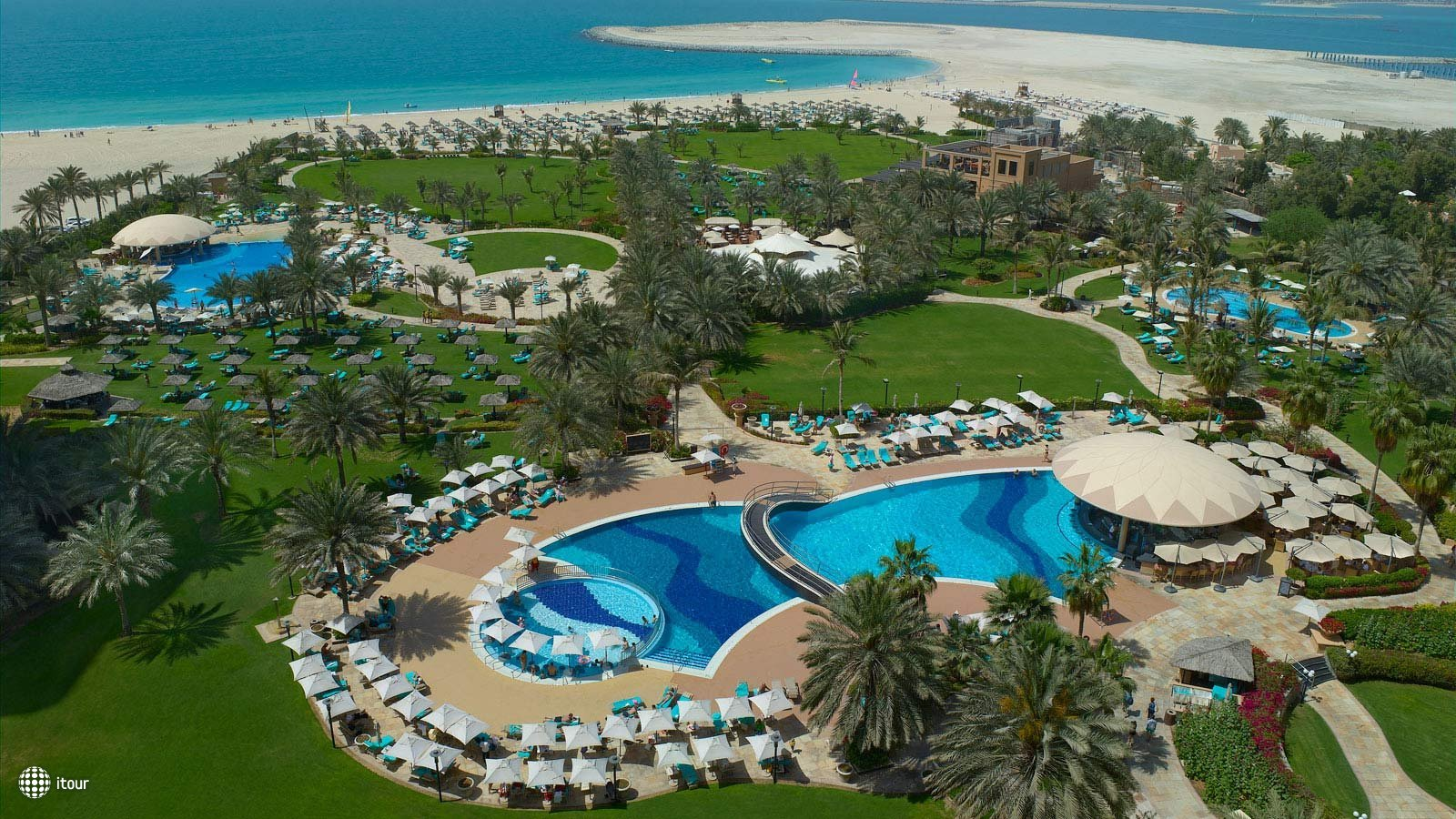 Le Royal Meridien Beach Resort & Spa 1
