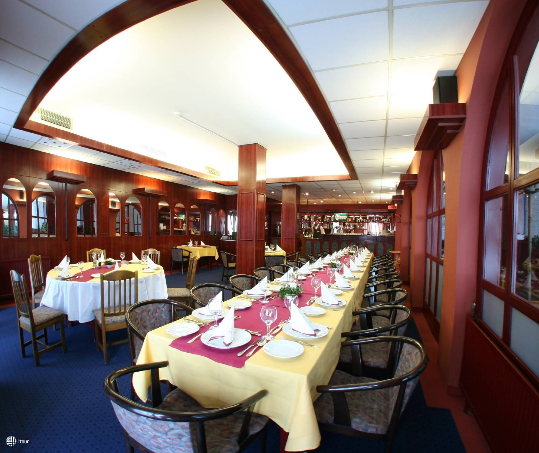 Hunguest Hotel Nagyerdo 5