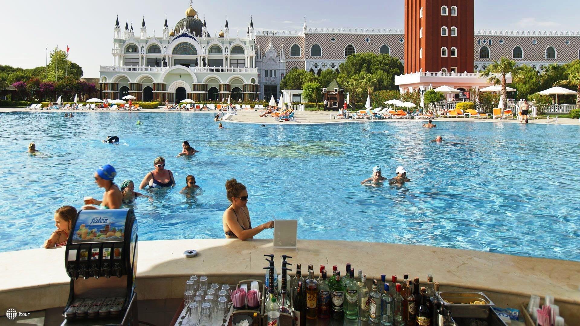 Venezia Palace Deluxe Resort Hotel 5