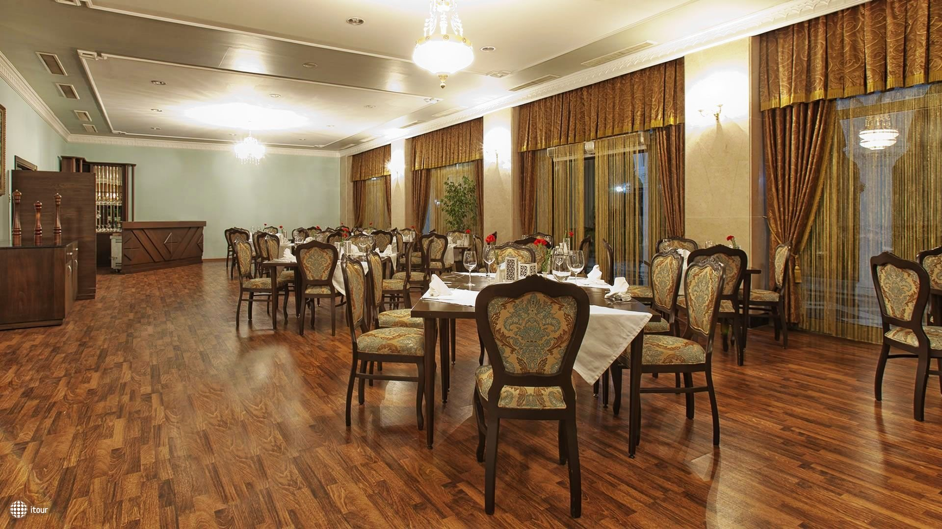 Venezia Palace Deluxe Resort Hotel 10