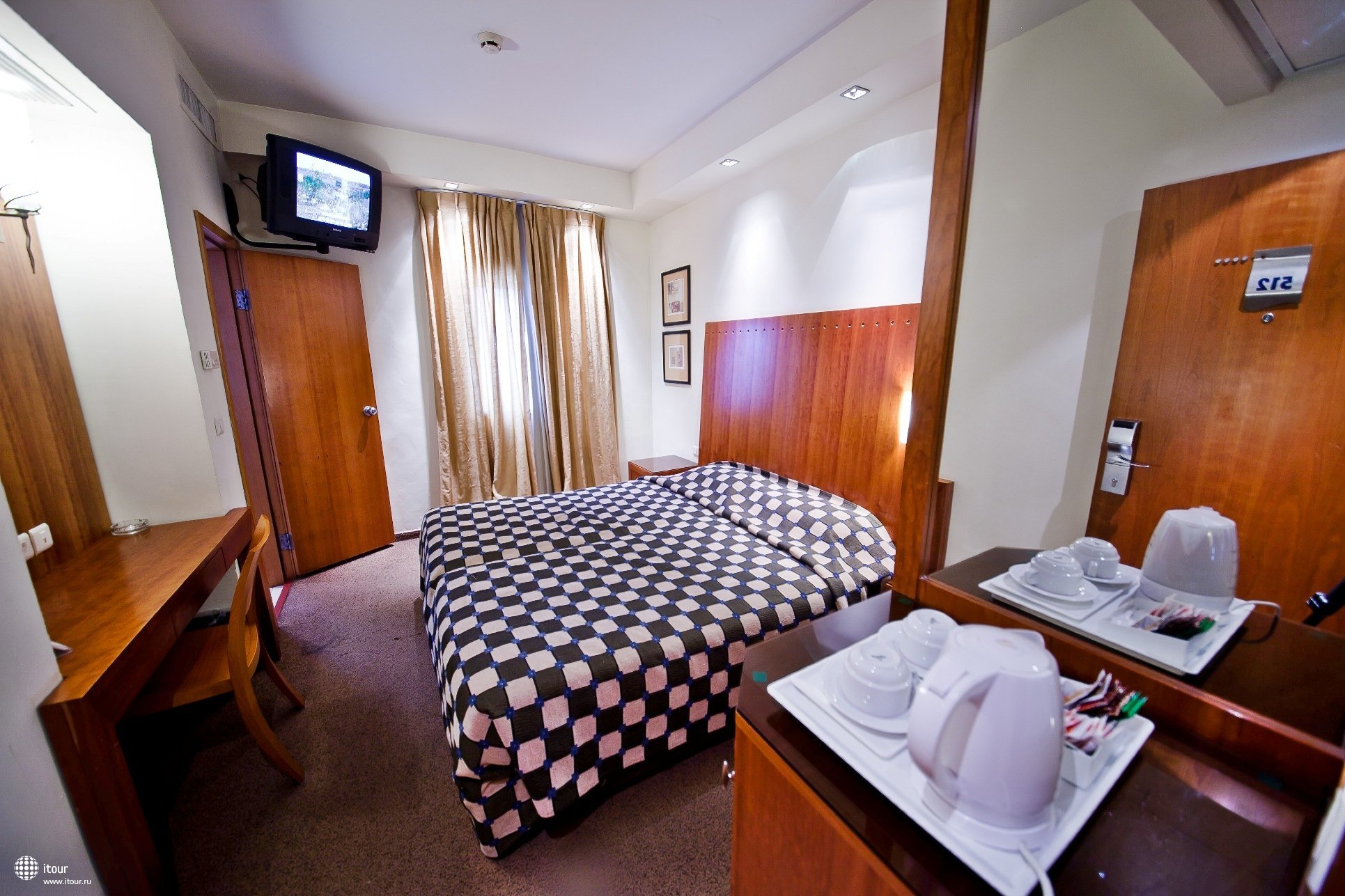 Sea.net Hotel 4