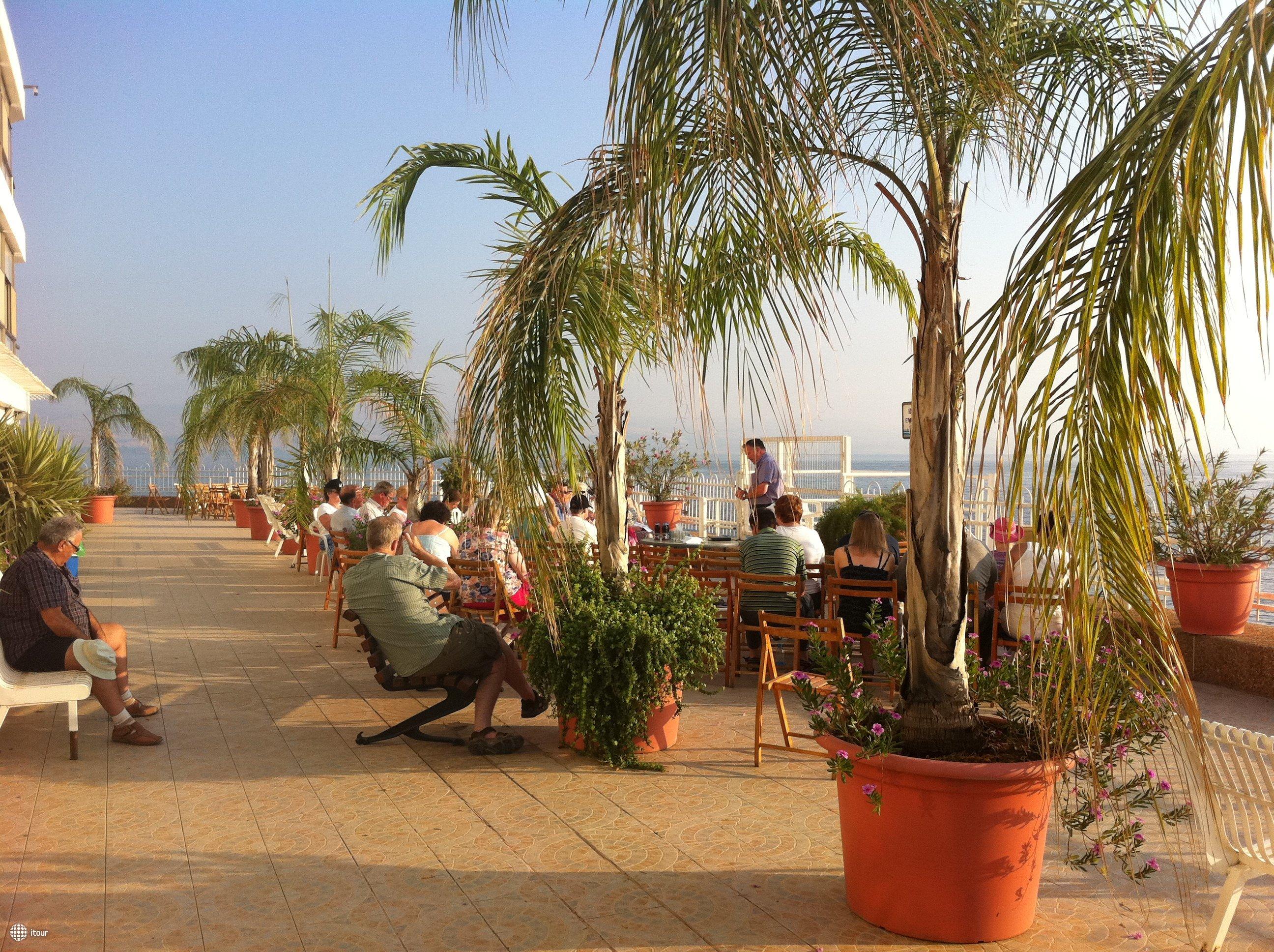 Ron Beach Hotel Tiberias 10