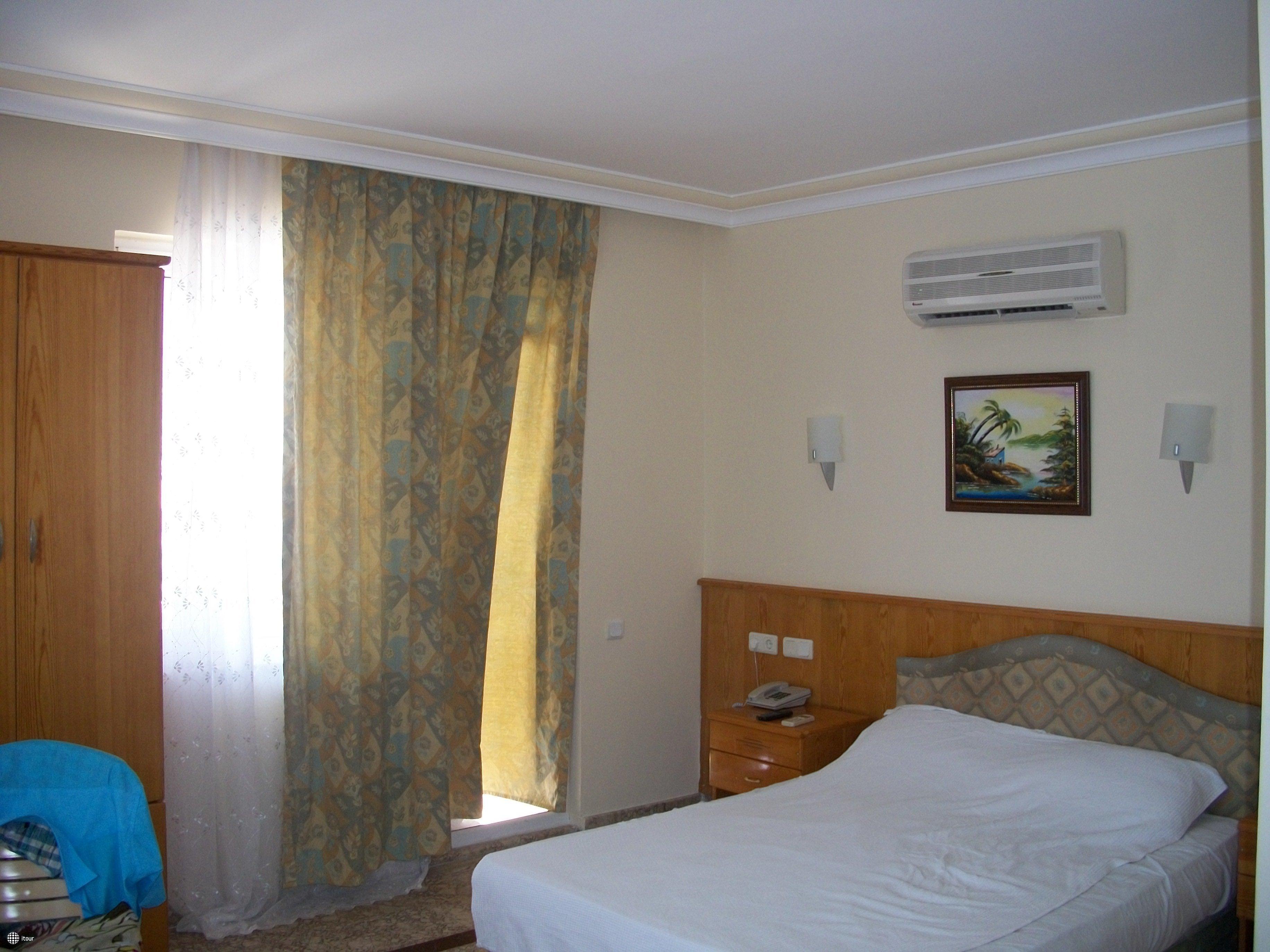 Monaco Beach Hotel & Spa 6