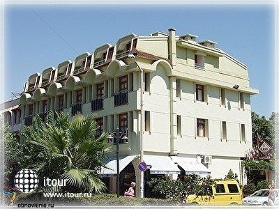 Фото отеля Kami Hotel
