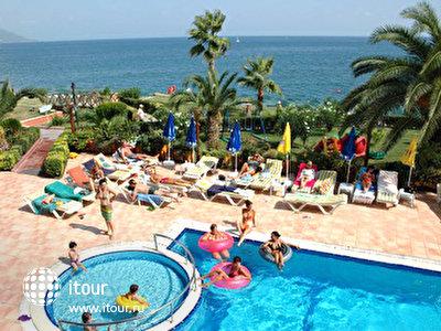 Фото отеля Valeri Beach Hotel
