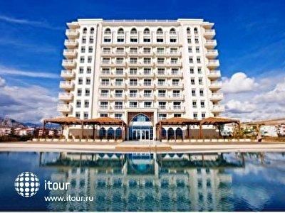 Фото отеля Crowne Plaza Hotel