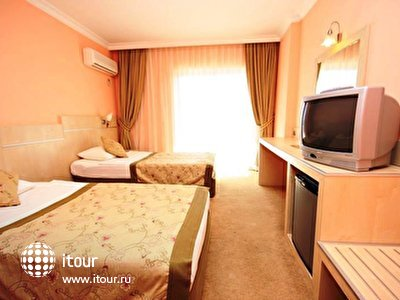 Фото отеля Hera Park (ex.Loyal)
