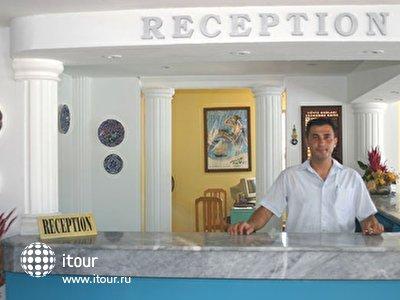 Фото отеля Laguna Resort Beach