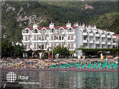 Фото отеля Diplomat Hotel