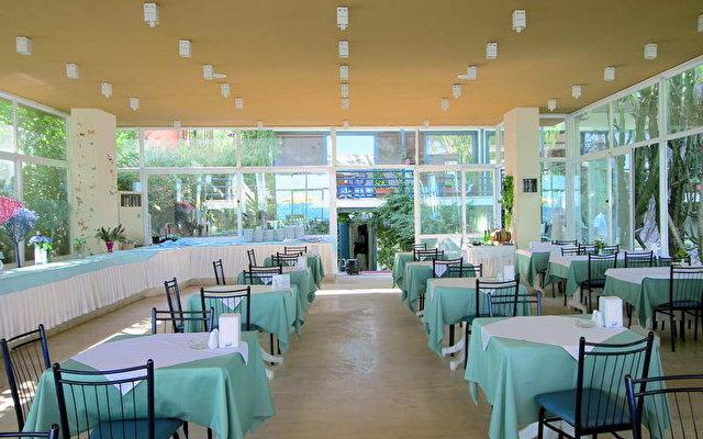 Club Hotel Rama 8