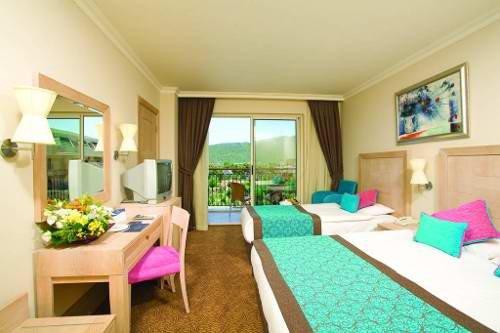 Crystal De Luxe Resort & Spa 7