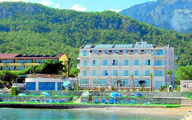 La Perla Resort 2