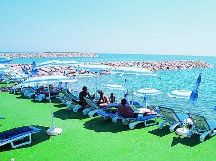 La Perla Resort 6