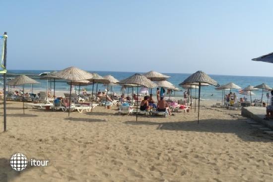 Monaco Beach Hotel & Spa 3