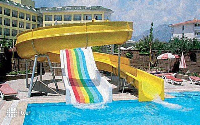 Monaco Beach Hotel & Spa 2