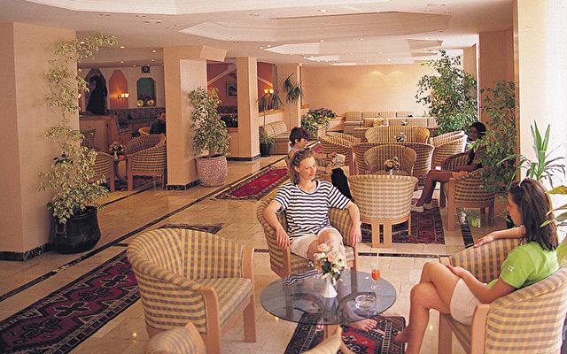 Fame Beach Hotel 9