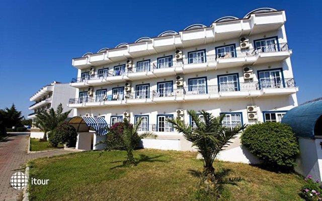 Larissa Blue Hotel 1