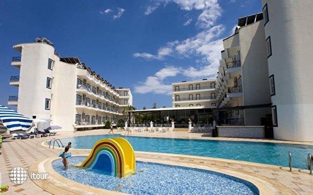 Larissa Blue Hotel 3
