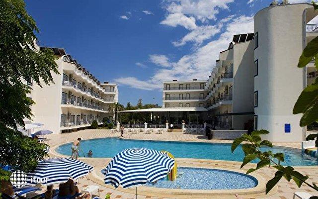 Larissa Blue Hotel 4