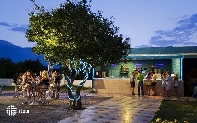 Larissa Blue Hotel 6