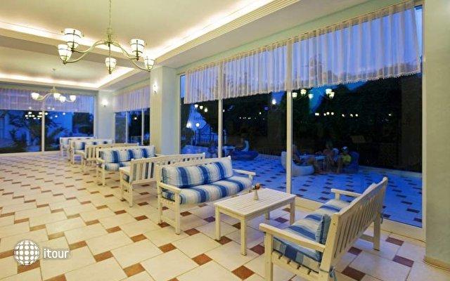 Larissa Blue Hotel 8