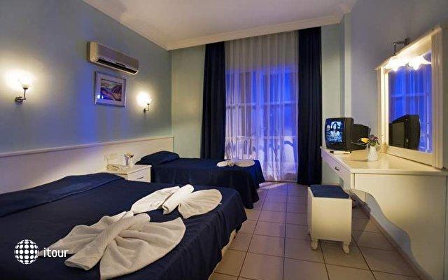 Larissa Blue Hotel 9