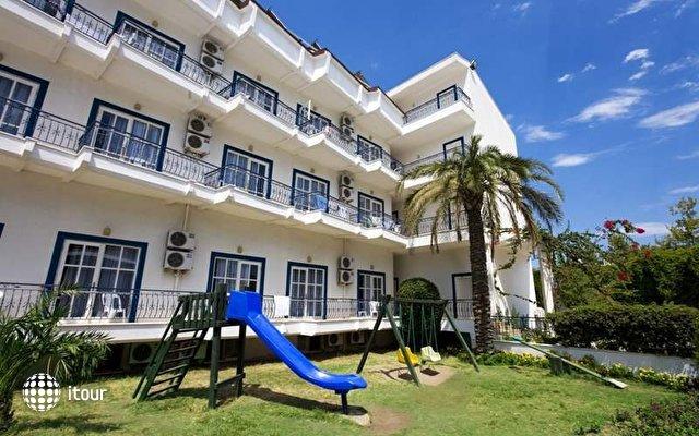 Larissa Blue Hotel 2