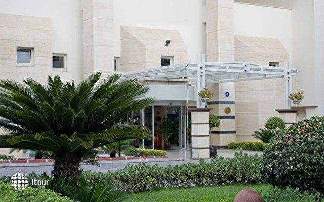 Otium Hotel Life 4