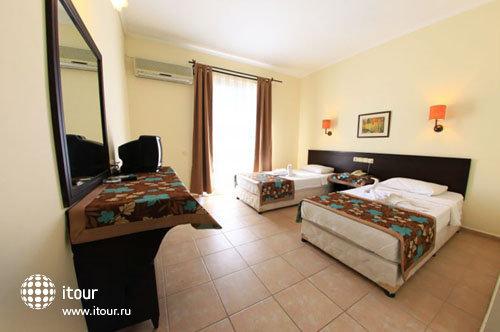 Larissa Inn Hotel 5