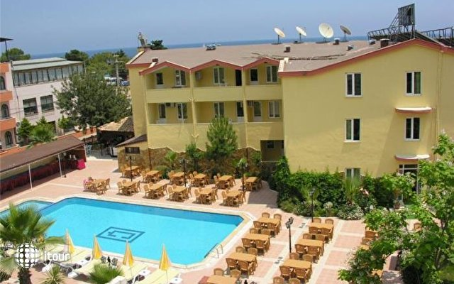 More Hotel  1