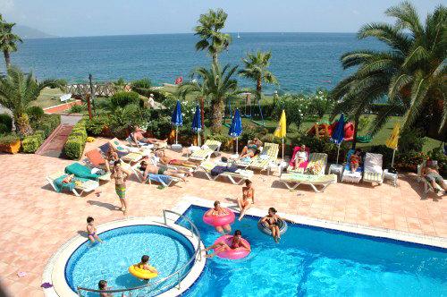 Valeri Beach Hotel 8