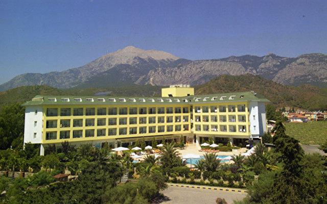 Pine House Hotel 1