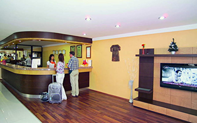 Club Hotel Belpinar 8