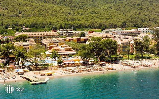 Crystal Aura Beach Resort & Spa (ex. Alatimya Village) 1