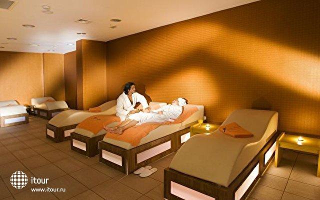 La Mer Hotel 8