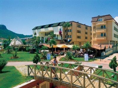 Dragos Beach Hotel 9