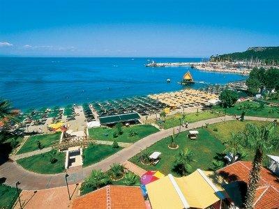 Dragos Beach Hotel 11
