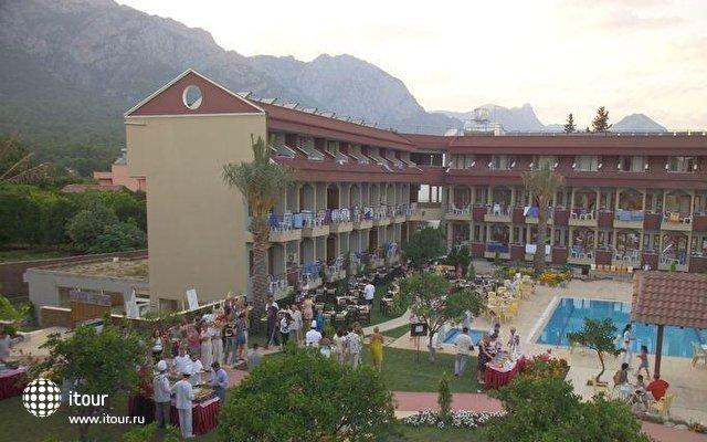 Club Ares Hotel 4