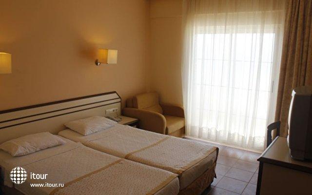 Stardust Beach Hotel 3