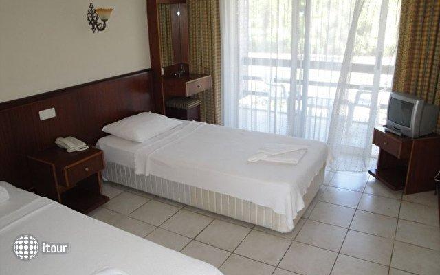 Hotel Feronia Hills 4