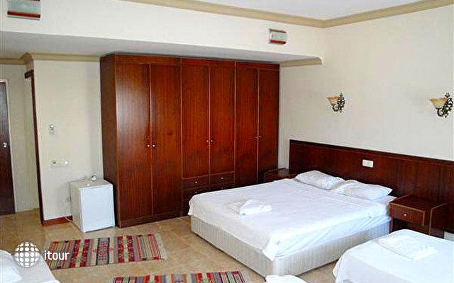 Hotel Feronia Hills 5