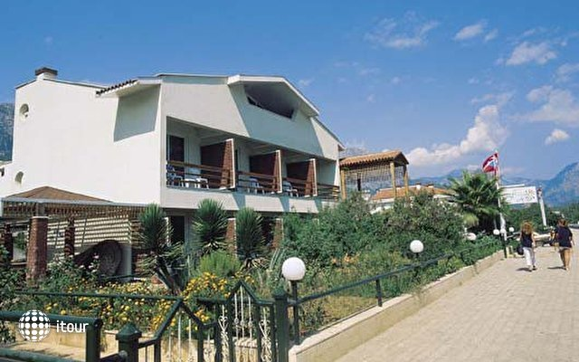 Hotel Feronia Hills 1