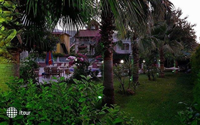 Flower Hotel 6